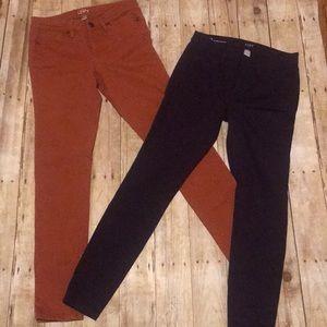 LOFT SKINNY PANTS SIZE 2. Burnt orange/purple